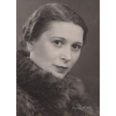 Vajda M. Pál: Peéry Piri (1904-1962) színésznő, író, műfordító