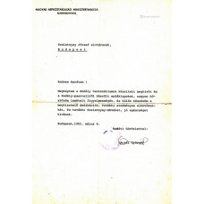 Aczél György (1917-1991) politikus géppel írt, kék golyóstollal, sk. aláírt levele