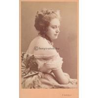 Székely, J[ózsef]: Ernestine Gindele (1841-1879) osztrák színésznő, énekesnő