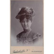 Liederhoffer V[ilmos]: (ismeretlen) nő