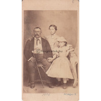 Pfléger Károly: (ismeretlen) család