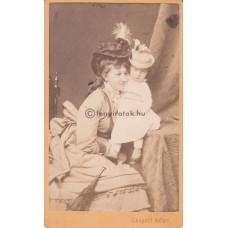 Adler, Leopold: (ismeretlen) nő és gyerek