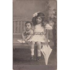 Fridery albert: két (ismeretlen) gyerek