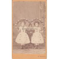 Weissbach, H.: két (ismeretlen) gyerek