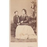 Borsos Jó[z]sef: Prcsetich Hugóné Ottlyk Erzsébet (1834-?) és fia, Parcsetich István