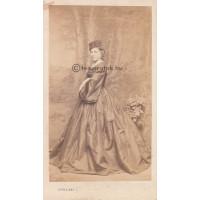 Strelisky L[ipót]: Mátray Laura (1841-1904) színésznő
