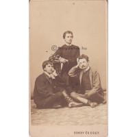 Gondy és Egey: Szana Tamás (1844-1908) író, szerkesztő, művészettörténész barátaival